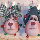 Идеи новогодних игрушек из лампочек.6