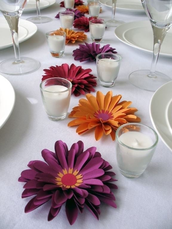 Украсить стол своими руками цветы 250